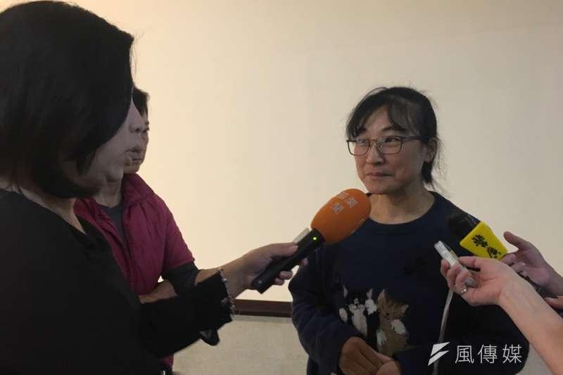 20190104-針對水利處諮詢過濕地公園相關意見卻未採納,台灣石虎保育協會理事長陳美汀則直言,「我們提了意見卻沒得到好的回應,滿受傷的。」(尹俞歡攝)