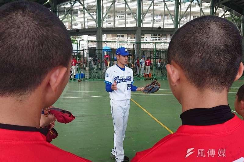 李宗賢在今日受訪時表示,希望能在新球季擔任游擊手,因為游擊是內野的領導者。 (金茂勛攝)