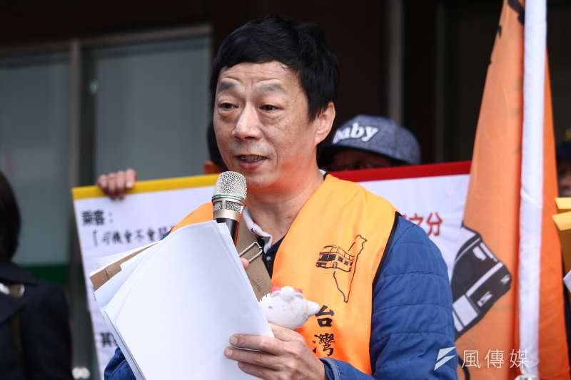 20190109-「台灣汽車客運產業工會」就勞動部鬆綁客運業七休一在勞動部前陳情抗議,圖為「台灣汽車客運產業工會」理事范光明。(蔡親傑攝)