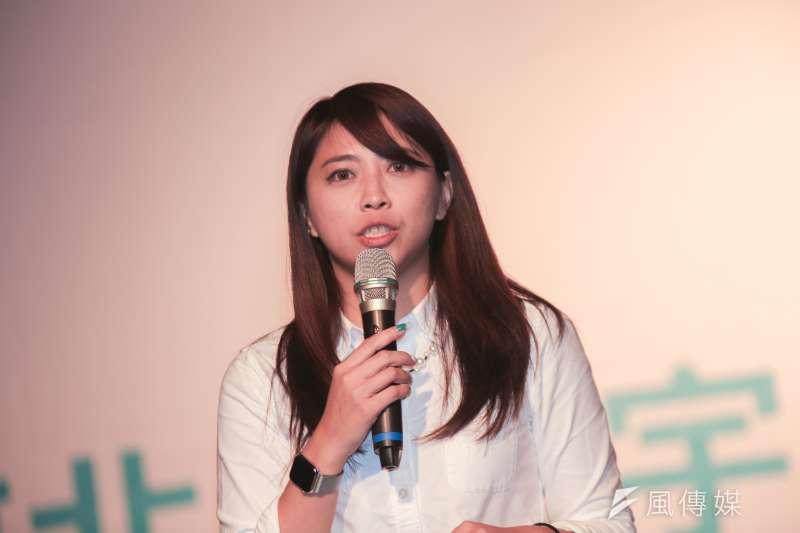 20190109-陳思宇競選歌曲發佈記者會,台北市長柯文哲亦到場支持。(簡必丞攝)