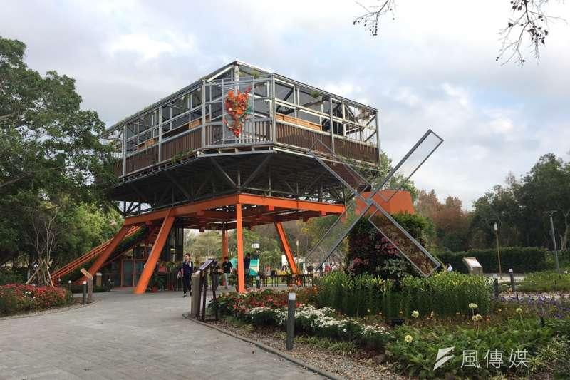 花博荷蘭館是全台第一棟循環建築,但因市場慣例及國內建築法規限制,展期結束拆除後,建材想要再利用仍有不少障礙。(尹俞歡攝)