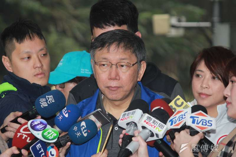 被問到近期政論節目較少在討論柯,是否比較輕鬆,台北市長柯文哲12日表示「我們最近也比較正常啊。」(方炳超攝)