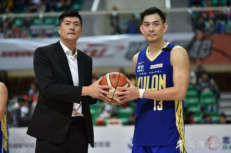 呂政儒在賽後的生涯總得分來到4899分,超越了田壘的4883分,成為新任得分王。 (王永志攝)