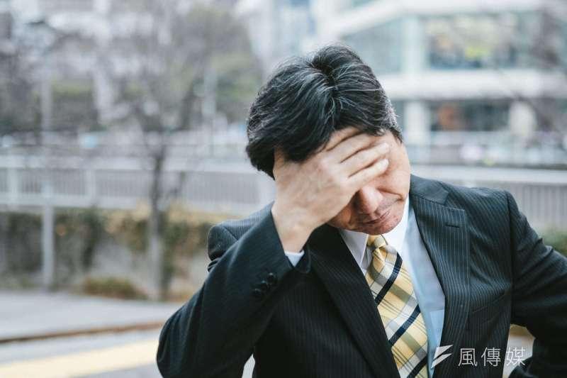 一般的疲勞原本是屬於正常的生理反應,而且通常只要經過一段時間的休息就可以獲得改善,但如果長時間出現疲倦感,怎麼睡都睡不飽,你可能罹患了「慢性疲勞症候群」。這些症狀你中了幾個?(圖/取自pakutaso)