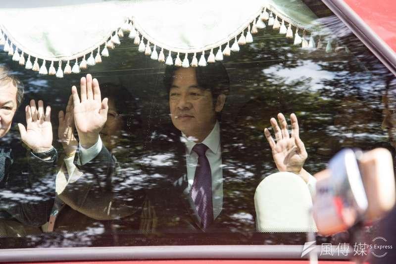 行政院長賴清德今(14)日正式將閣揆印信交給新任院長蘇貞昌。(甘岱民攝)