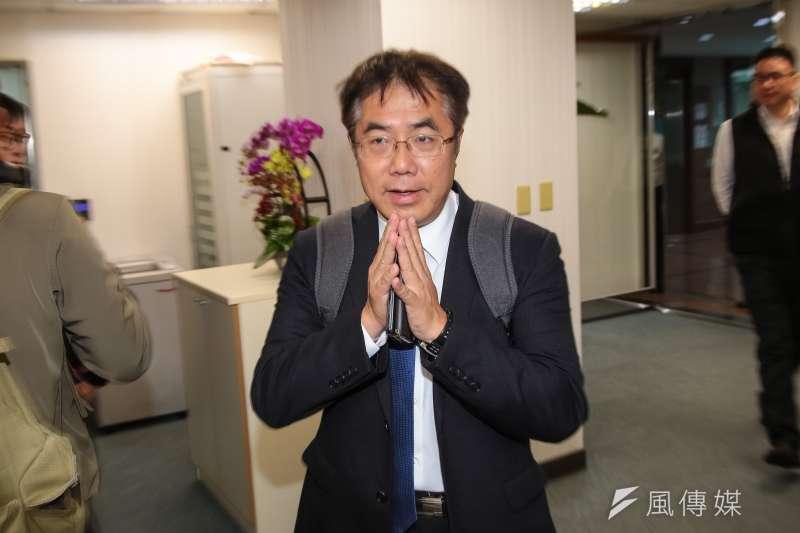 台南市長黃偉哲也呼應「政治零分經濟一百分」的說法。(顏麟宇攝)