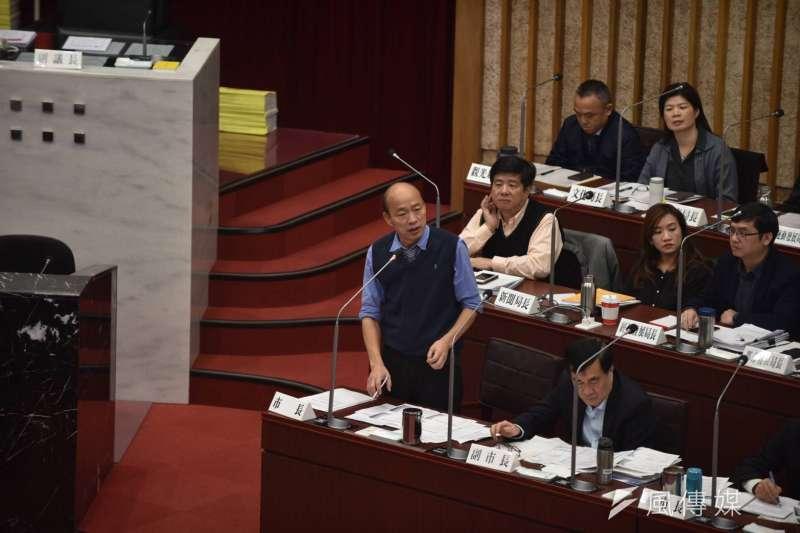 高雄市長韓國瑜今(29)日自行爆料,市府內一名在職男性主管疑似長期對3名女員工性騷擾,韓國瑜表示絕不寬貸,不排除調動職務。 (資料照,徐炳文攝)