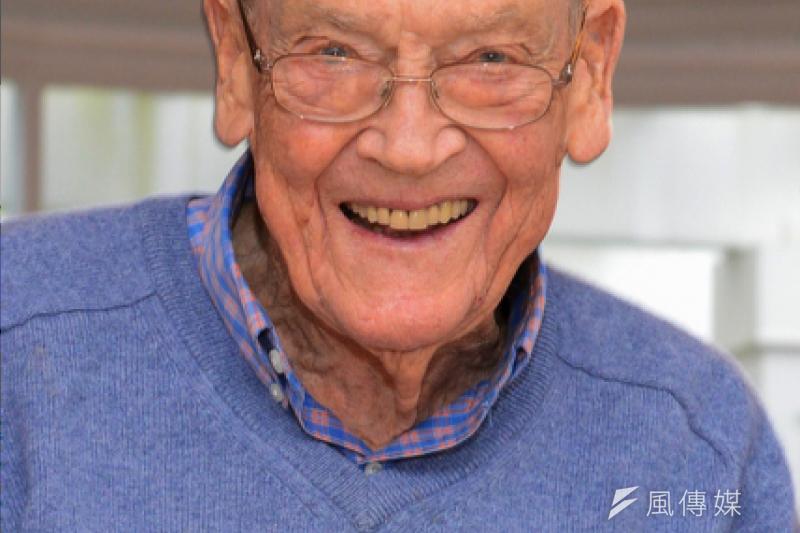 甫逝世的柏格(John Bogle)當年獨排眾議、力主指數基金設計,改變了整個投資業界,也讓他成為被動投資人心中的先知。(圖片來源:柏格紀念部落格)