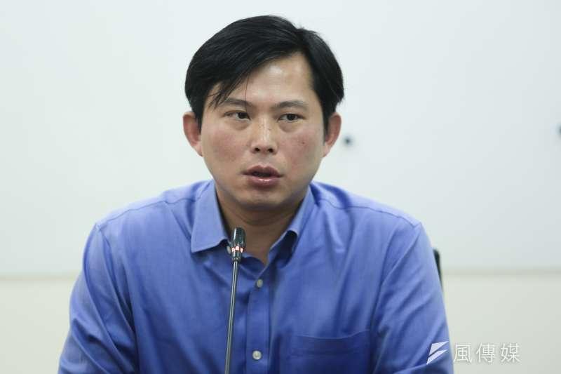 黃國昌獲提名大同獨董候選人,令這場外部股東與經營者間的世紀對決更增添不少話題(資料照,簡必丞攝)