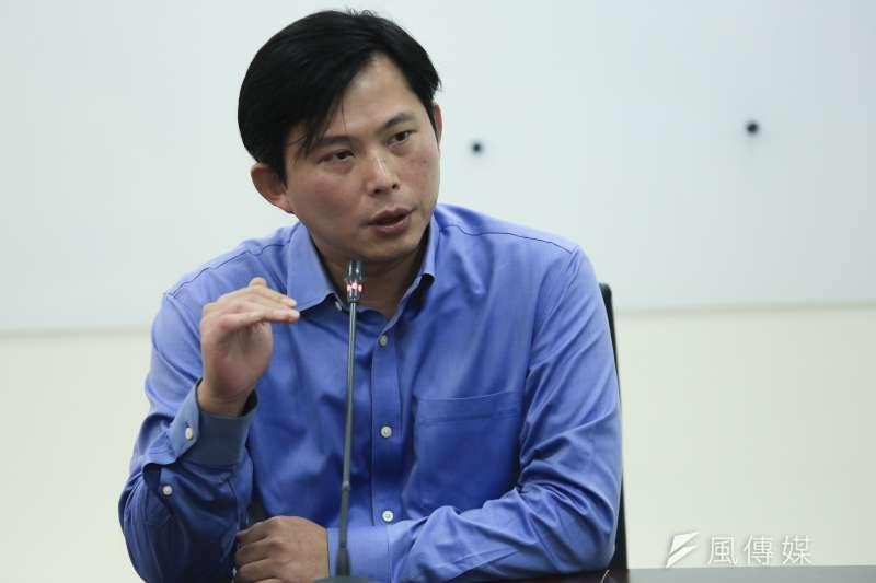 時代力量黨主席黃國昌21日在時代力量黨團說明不續任黨主席。(簡必丞攝)