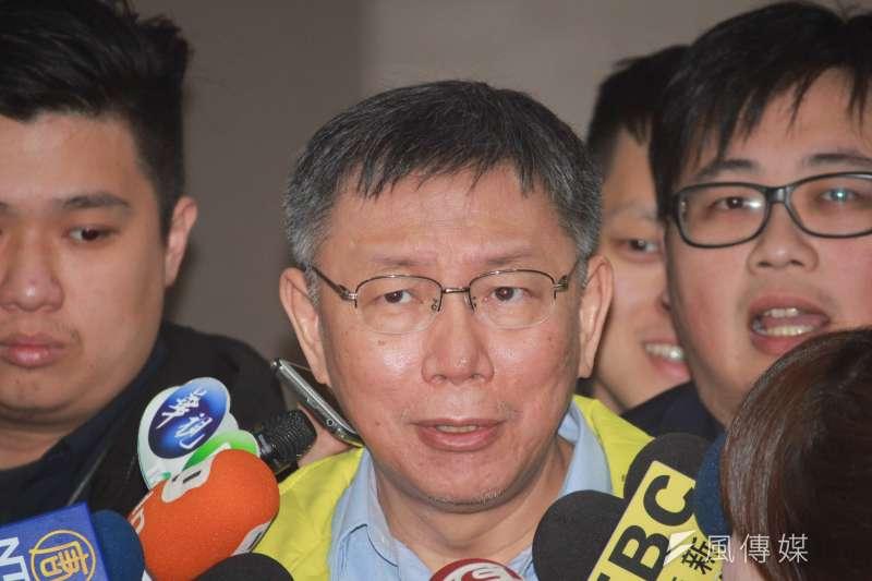 20190122-台北市長柯文哲22日上午在市府內短暫接受聯訪。(方炳超攝)