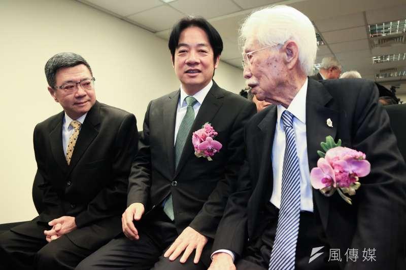 20190123-辜寬敏董事長(右至左)、前行政院長賴清德與民進黨主席卓榮泰23日出席台灣制憲基金會開幕式。(簡必丞攝)