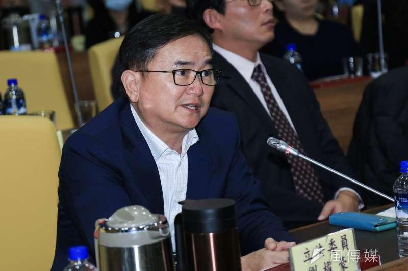 20190124-立法委員劉櫂豪24日出席交通部普悠瑪罹難者家屬懇談會。(簡必丞攝)