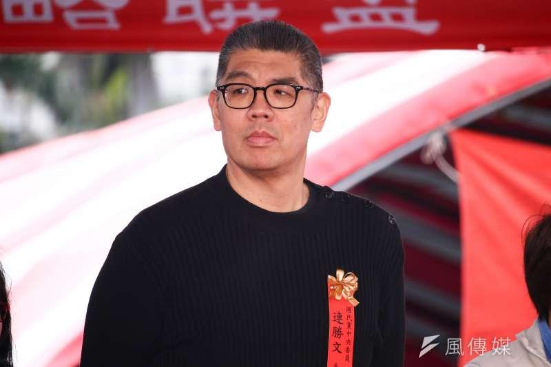 台北市長柯文哲在機場坐地板充電滑手機,國民黨中央委員連勝文(見圖)今日再度回擊,「再怎麼假也假不過他。」(資料照,蔡親傑攝)