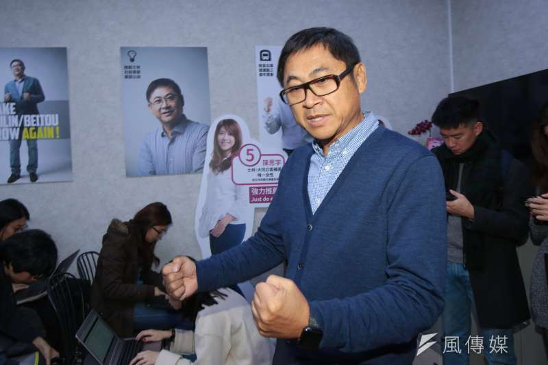 20190127-陳思宇競選總幹事陳建銘27日於開票後出面接受媒體聯訪。(顏麟宇攝)