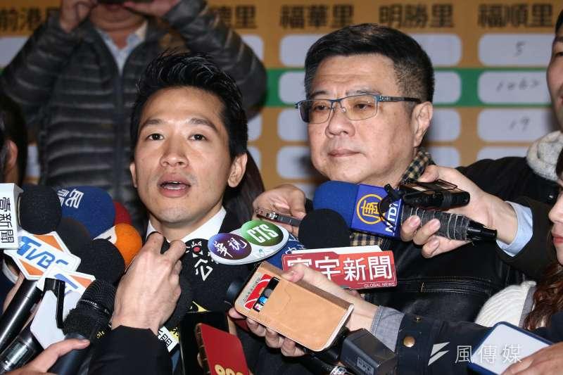 20190127-何志偉參與立委補選獲得勝選,與民進黨主席卓榮泰一同發表當選感言。(蔡親傑攝)