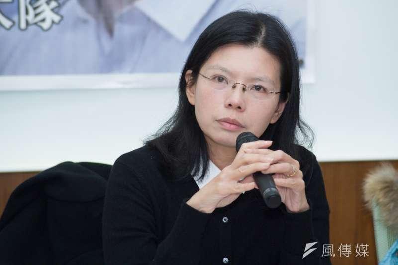 針對赤山監獄獄方禁止探監3個月,台灣民主運動者李明哲的妻子李凈瑜29日,若不讓她去探視,那就讓國際人權組織、中華民國陸委會去探視。(甘岱民攝)