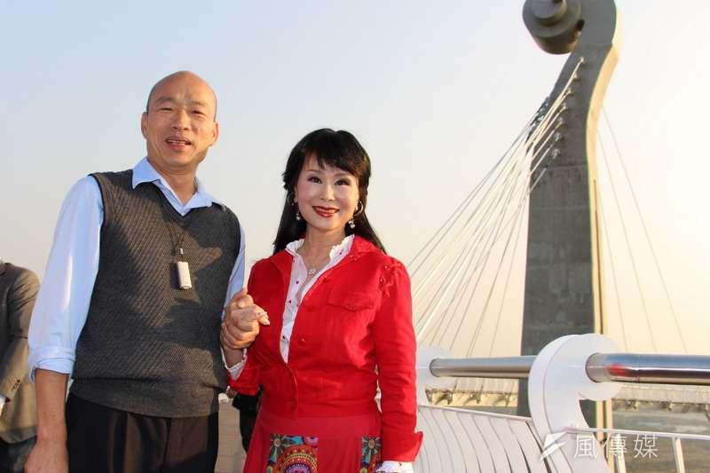 資深女星張琍敏(右)表示,高雄市長韓國瑜(左)是極力要找出3000億元弊案答案的人,呼籲高雄人好好思考。(資料照,高雄市政府提供)