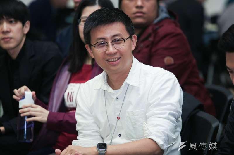 由網紅出身、台北市新科議員的呱吉─邱威傑,針對選民服務推出「選服魔鏡號」,表示讓市民有多一個管道、以網路提出選服的申請。(資料照,簡必丞攝)