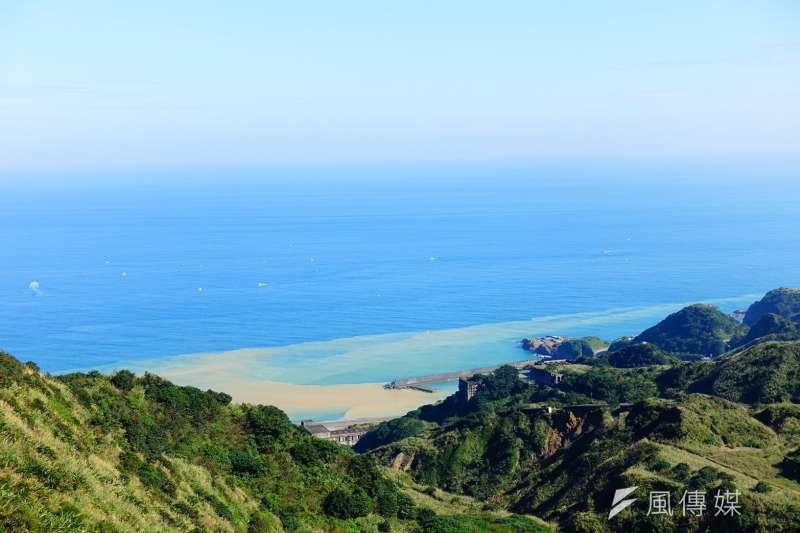 報時山步道擁有360度零死角視野,可以將陰陽海、基隆山、無耳茶壺山等海天一色美景一網打盡。(資料照,羅暐智攝)