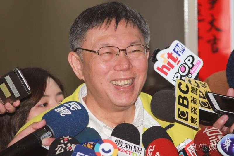 藍營有人拱高雄市長韓國瑜角逐,台北市長柯文哲1日表示,參選是人民的權益,選舉也是人民的權利,常常就是市場決定一切,所以如果韓聲量最大、大家拱他,那也沒辦法。(方炳超攝)
