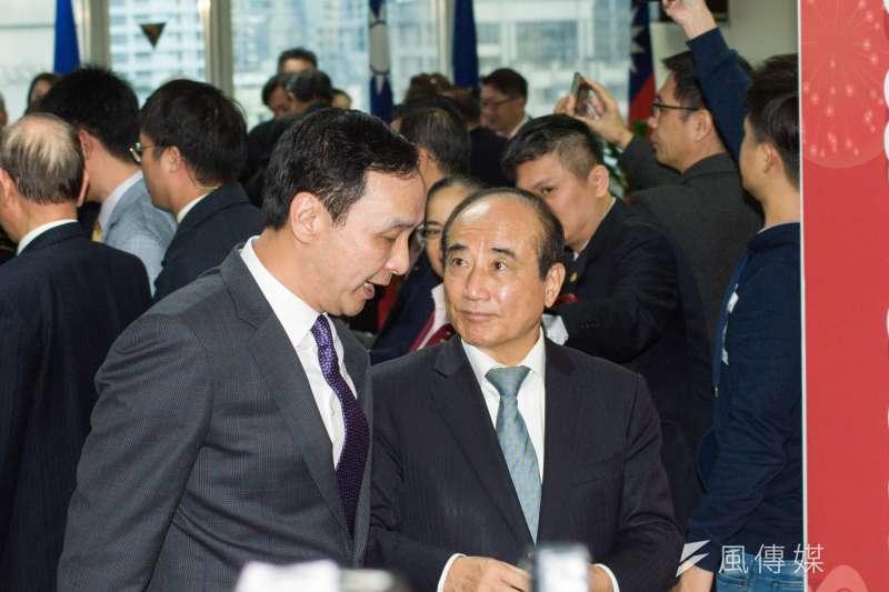 前立法院長王金平(右)近日一句「新郎不是我」,再度掀開當年「換柱」風暴,與前新北市長朱立倫(左)隔空槓上。(資料照,甘岱民攝)