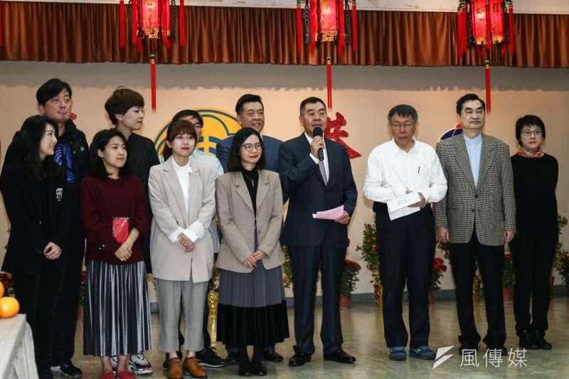 20190211-台北市長柯文哲(右三)赴台北市議會新春團拜。(蔡親傑攝)