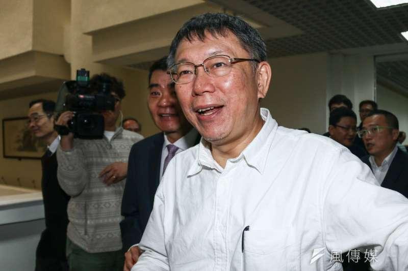 高雄市長韓國瑜被爆出在北農期間,和「特定人士共同喝酒」,台北市長柯文哲回應外銷跟客戶吃飯都很正常,有什麼奇怪?。(蔡親傑攝)