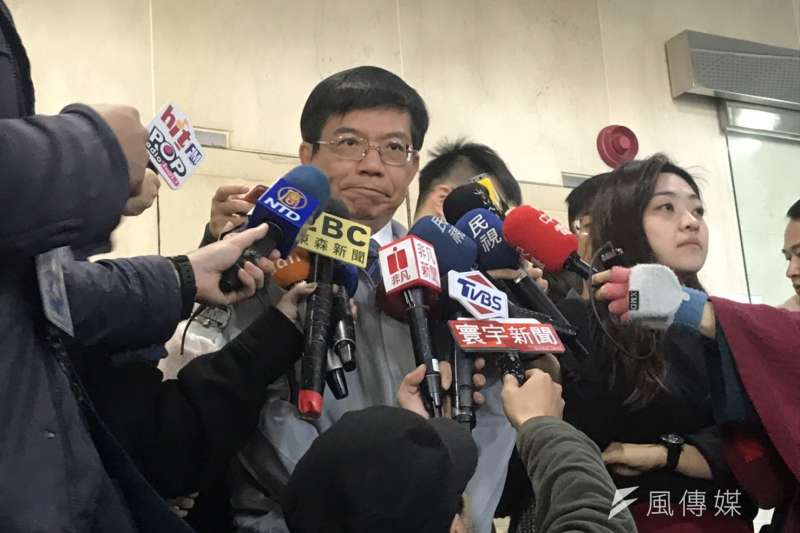 交通部次長王國材回應華航工會訴求。(廖羿雯攝).jpg
