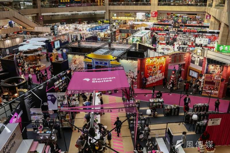第27屆台北國際書展共有735家出版社參與,而在展位租金部分,儘管過去已有調整,但出版業者認為仍有有值得討論的空間。(資料照,蔡親傑攝)