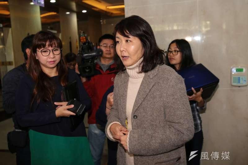 20190212-機師工會理事陳蓓蓓12日於交通部受訪。(顏麟宇攝)