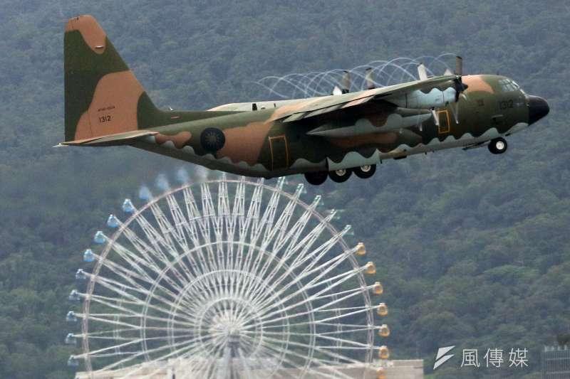 漢光35號演習期間,在花壇戰備道實施相關起降的演練,除3型主力戰機將參與外,像是C-130運輸機等慢速機也有機會出現。(資料照,蘇仲泓攝)