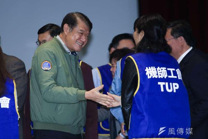 中華航空董事長何煖宣14日出席華航勞資協商會後記者會。(簡必丞攝)