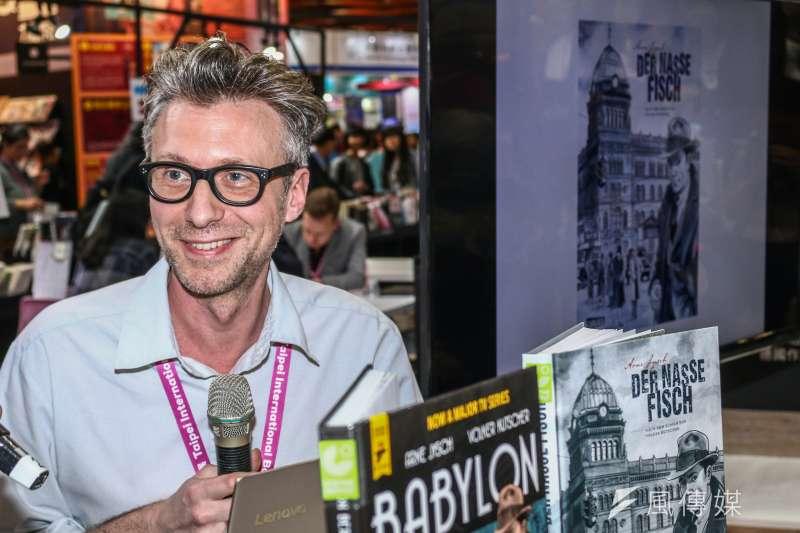 德國漫畫家意許受邀出席「第27屆台北國際書展」,並接受《風傳媒》專訪。(蔡親傑攝)
