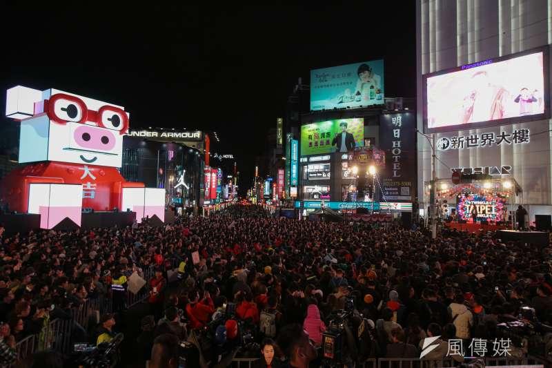 台北市觀光傳播局9日表示,明年台北燈節將繼續在西區舊城區為主要場地。圖為2019台北燈節。(資料照,顏麟宇攝)