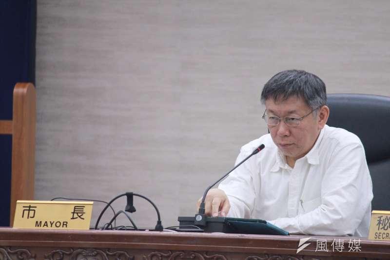 民進黨台北市議員王世堅19日自比是「獸性問政」,台北市長柯文哲(見圖)表示,「他承認他自己是禽獸,太好了。」(方炳超攝)