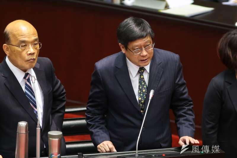行政院長蘇貞昌(左)、環保署長張子敬(右)於立院備詢。(顏麟宇攝)