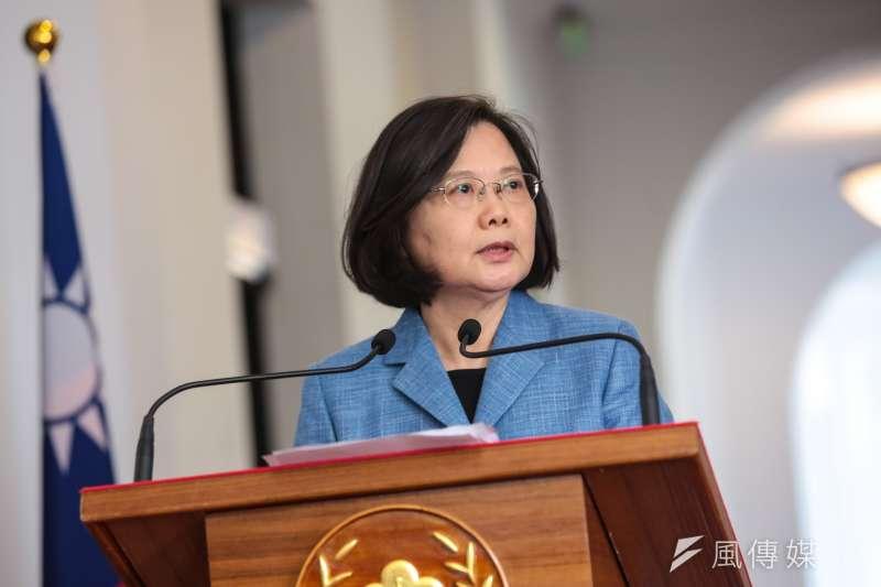 總統蔡英文宣布將會尋求2020競選連任。台北市議員羅智強警告,只要藍營分裂,蔡英文就可能以未過半的相對多數連任。(資料照,顏麟宇攝)