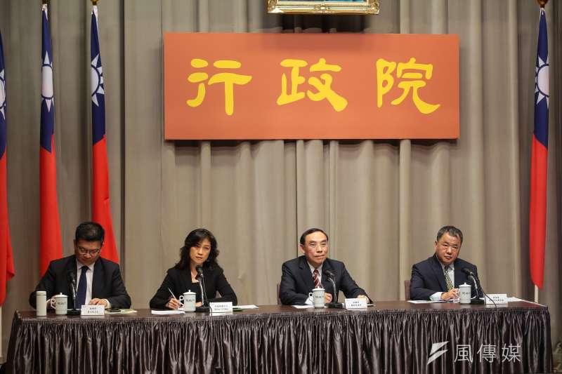 20190221-行政院發言人Kolas Yotaka(谷辣斯‧尤達卡,左二)、法務部長蔡清祥(右二)21日出席行政院會後記者會。(顏麟宇攝)