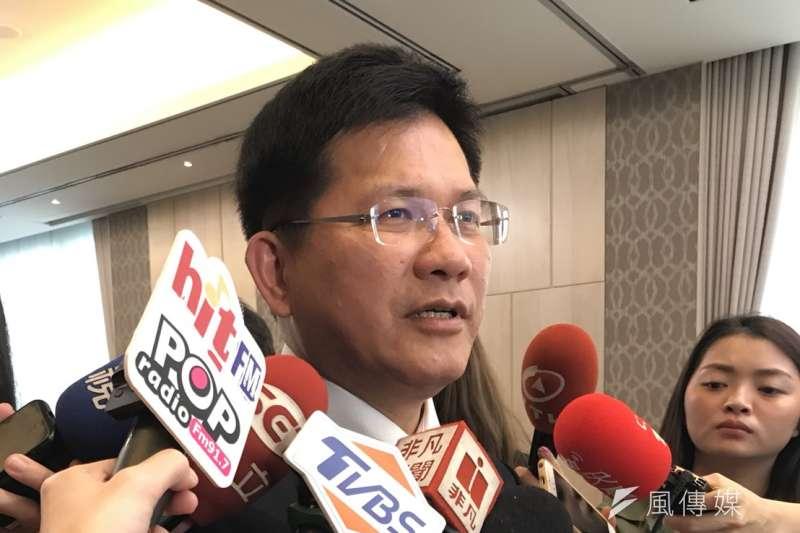 交通部長林佳龍27日出席台灣郵輪產業發展協會成立大會,受訪時提及春遊補助,表示預估可創造62.5億元的效益。(廖羿雯攝)