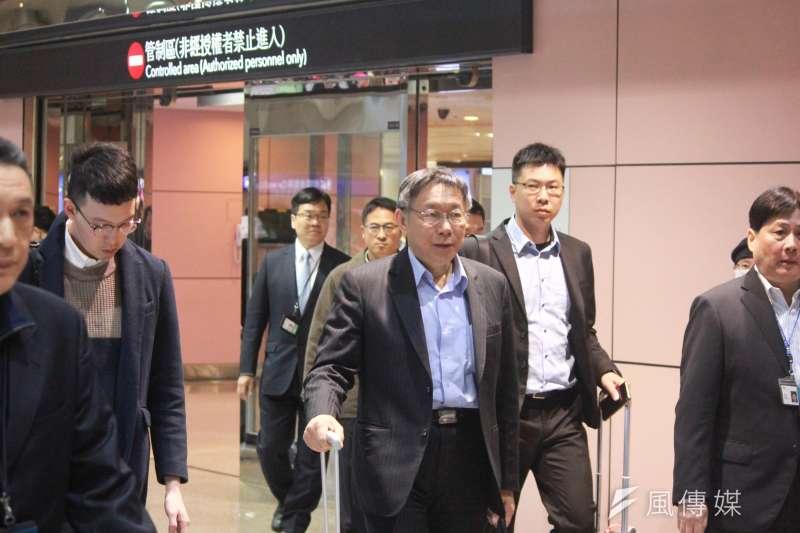台北市長柯文哲出訪以色列,27日下午返抵國門。(方炳超攝)