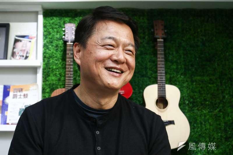 20190227-前台北縣長周錫瑋「總統不會做的一百件事」組樂團練唱。(蔡親傑攝)