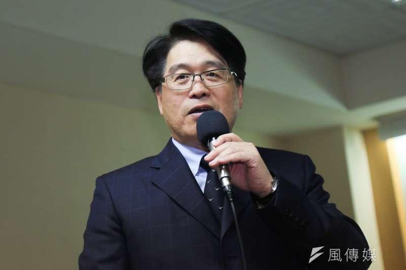 台灣民意基金會董事長游盈隆(見圖)今(23)日宣佈退出加入24年的民進黨,痛批總統蔡英文破壞黨內民主傳統。(資料照,簡必丞攝)