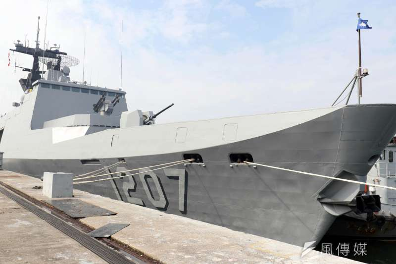 20190304 uploaded-海軍第一位女性一級艦長黃淑卿擔任艦長的康定級武昌軍艦。(蘇仲泓攝)