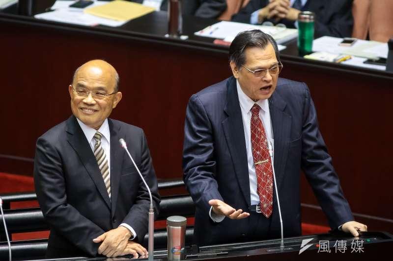 陸委會主委陳明通(右)5日對立委提出的兩岸和平協議質疑做出說明。圖(左)行政院長蘇貞昌一同於立院備詢。(顏麟宇攝)