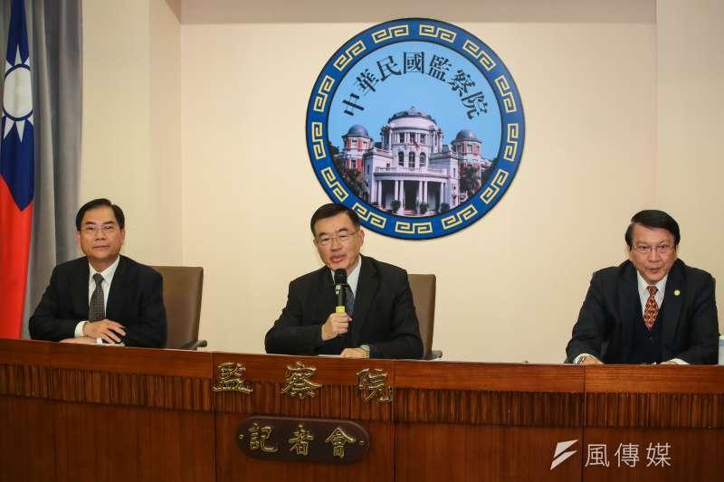20190306-監察委員包宗和(中)、陳慶財(左)、李月德(右)6日針對政府對核四政策重大變動,導致資源浪費等情況提案糾正。(顏麟宇攝)