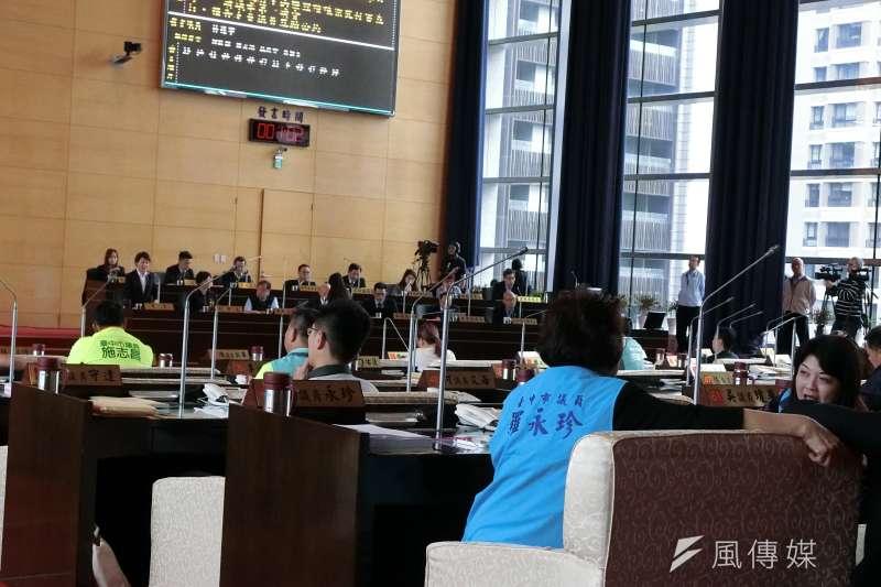 台中市議會多位議員關切參事柯呈枋人事案。(圖/王秀禾攝)