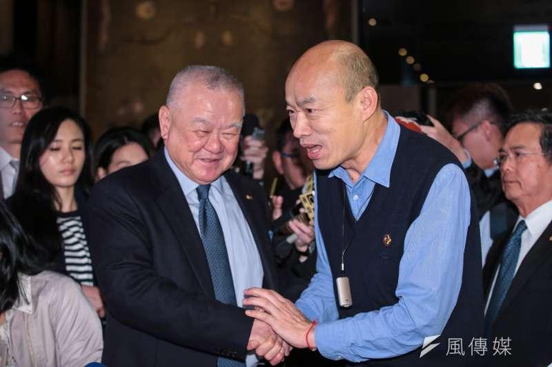 高雄市長韓國瑜(右)6日北上與工商界大老會面,爭取企業投資高雄。(顏麟宇攝)
