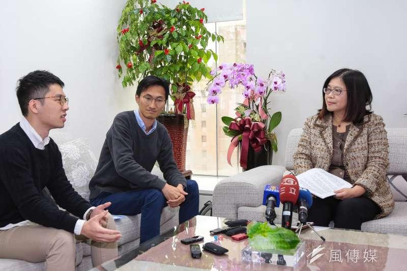 20190307-香港立法會議員朱凱迪(左二)及前議員羅冠聰(左一)7日至立院拜會民進黨立委管碧玲(右)。(顏麟宇攝)
