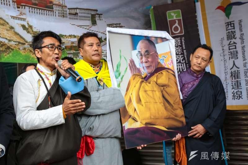20190307-西藏台灣人權連線理事長札西慈仁(Tashi Tsering,左一)7日召開「310西藏抗暴日60週年,浩劫一甲子,西藏要自由」記者會。(顏麟宇攝)
